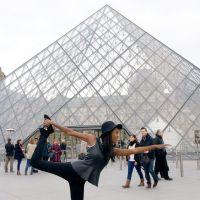 Yoga at Musée du Louvre! #AfiyaInParis